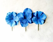 Flower Hair Pins, Hydrangea Bobby Pins, Electric Blue Hair Clips, Hydrangea Fabric Pin, Flower Hair Accessories, Bridal Artificial Flowers