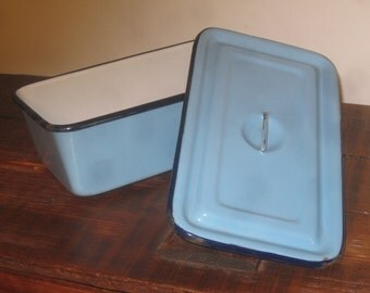 Enamelware Dish with Lid , Baby Blue Enamelware , Refrigerator Container ,