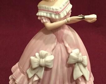 "Rare LENOX VICTORIAN ""CAROLINE"" 1987 Fine Lenox Porcelain Figurine ~ Free Shipping"