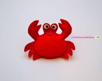 Felt CRAB, stuffed felt Crab magnet or ornament, cute Crab, Crab toy, Sea creatures, home decor, crab magnet, Nursery decor, Crab