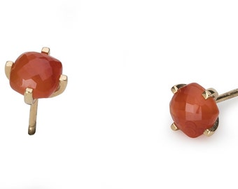 Earrings, 18 KT yellow gold, Carnelian, orange, polished surfaces. Available in pairs.