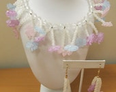 On Sale Retro 2pc Molded Frosted Plastic Floral Necklace and Earring Set Item K # 1704