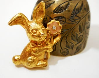 Vintage Easter Bunny Lapel Pin / Scatter Pin / Tack Pin