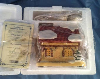 Hummel Hawthorne Village VILLAGE BAKERY Porchlight Collections, Certificate of Authenticity, new in box