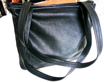 Vintage Purse - ILI Purse - Woman's - Leather Satchel - Black Shoulder Bag - Large Tote -Two Large Cavities - Dual Leather Handles -Work Bag
