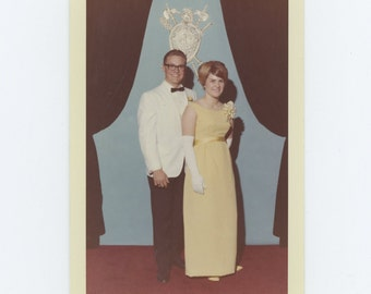Vintage Snapshot Photo: Couple, c1960s (73553)