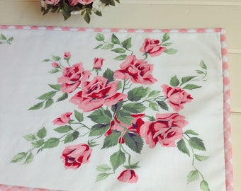 vintage pretty pink roses table runner