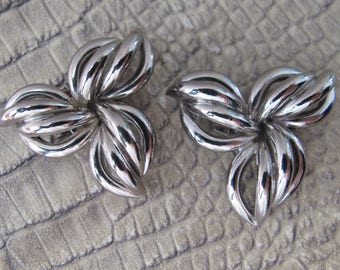 FRENCH Made Show Clips: Silver Tone 3 Leaf Design, Strong Clips. Signed by Maker Bluette, France. Shoe Fashion, Dress Up Your Plain Shoes
