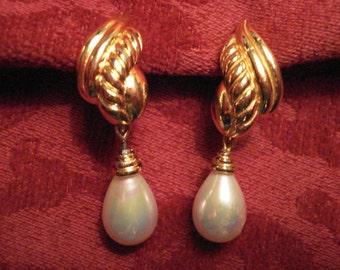 Christian Dior Gold Tone Pearl Drop Clip Earrings