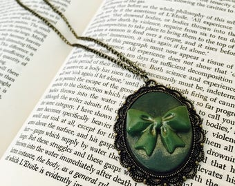 Green Bow Cameo Necklace