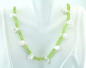 """Peridot and Chicklet Pearl with Sterling Silver clasp Necklace 18"""" 66-10238"""