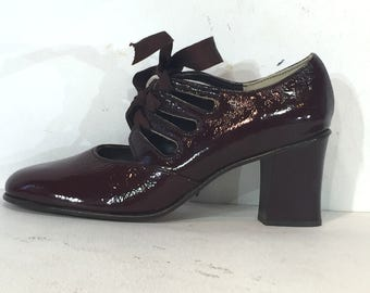 1960s maroon openwork lace-up maryjanes - size 6 - mint condition - 60s lace-up shoes in deep red - 1960s mod shoes - 1960s lace up shoes