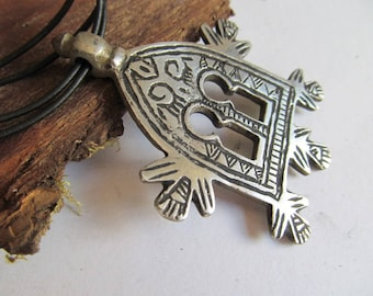 Silver Amulet Morocco Tuareg Berber Arabic coral Fatima ethno tribal ethnic paradise Syria North Africa Islam Marrakech jewelry FES Asia