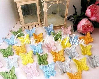 Farfalle colorate in ceramica decorate a mano