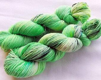 Handpainted Sock Yarn, 75 Wool  superwash, 25 Nylon 100g 3.5 oz.  Nr. 353