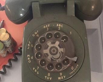 1965 rotary dial telephone