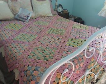 Vintage YoYo Quilt in Fairytale Soft Enchanting Colors~  True Art Hstory~ Sale !!