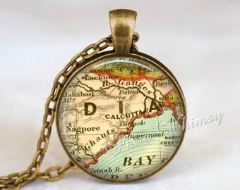 INDIA MAP Necklace Pendant, India Keychain, India Map Necklace, Vintage India Map India Map Jewelry, Calcutta India Map Necklace
