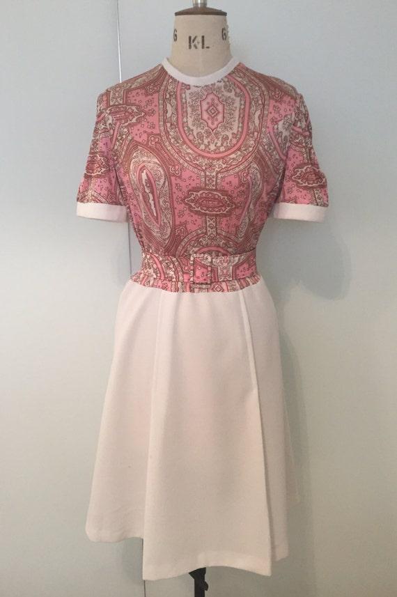 1970s Pretty Paisley Print Dress