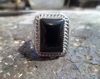 Authentic Navajo,Native American Southwestern sterling silver black onyx ring. Size 12 1/2
