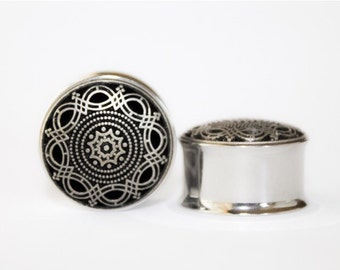 Clearance: Royal Arabic Plugs, gauges   3/4, 7/8