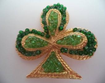 Vintage Unsigned Goldtone/Green Chip Shamrock Brooch/Pin