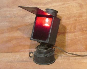 Universal No.2 - Darkroom Light - Early 1900's - Complete