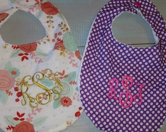 Set of 2 personalized bibs. Monogrammed baby gift