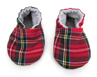 Red Tartan Baby Shoes // Red Green Yellow Plaid, Infant Shoes, Baby Booties, Baby Moccasins, Crib Shoes, Baby Boy Shoes, Neutral Moccs,