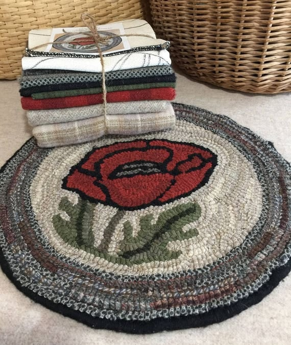 "Primtive Rug Hooking Kit for ""Poppy Chair Pad""  #K106"