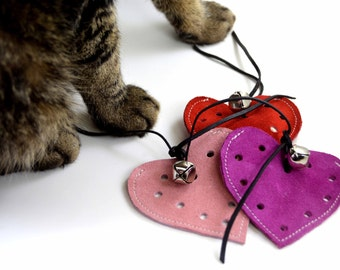 Heart Shaped Cat Toys, Refillable with Jingle Bell