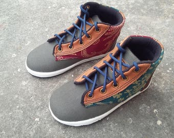 Kids Shoes toddler, US 6.5 kids / EU 23 batik java red green cotton, brown leather, handmade Rangkayo Children sneakers