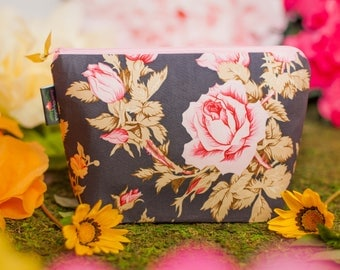 Makeup bag, Cosmetic bag, Bridesmaid gift, Gift for her, Zipper pouch, Floral makeup bag, Roses, Floral pouch, Travel bag, Toiletry bag