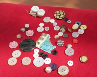 Lot Of Vintage Assorted Buttons & Metal Snaps