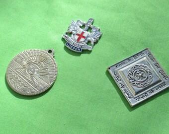 Lot Of Retro Metal Emblems Pendant