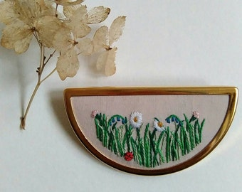 Hand embroidered wildflower meadow brooch