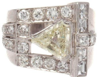 Retro Diamond Platinum Ring