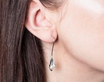 Calla Lily Pearl Drop Earrings