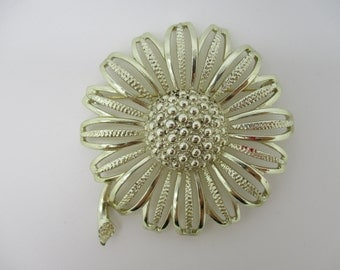 SARAH COVENTRY Silver Tone Sunflower or Daisy Flower Brooch