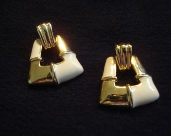 Gold and Cream Primavera Jewelry Pierced Earrings A++ Condition Never Worn #299