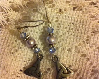 Lilac and silver pierced earrings with Trinity knot charms