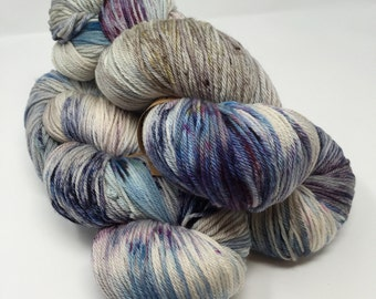 DUTCHESS (worsted) 400 yds- Angry Ocean
