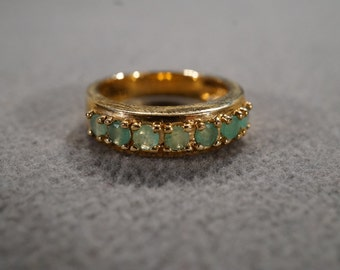 vintage sterling silver with gold overlay with 7 round faceted emeralds prong set in a band ring, size 6   M2
