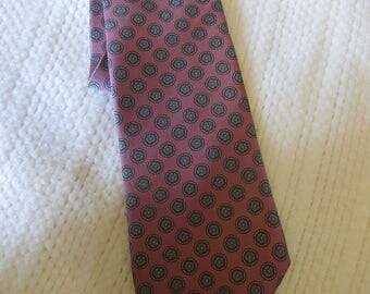 "Damon brand, 100% Italian silk , mens necktie, 56"" long, 3 1/2"" at widest point, accessory, prof. cleaned/pressed"