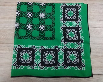 Beautiful Vintage Retro Green & Black white scarf 67cm x 67cm