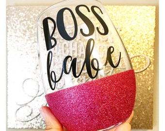 Boss Babe Glitter Wine Glass // Boss Lady Wine Glass // Funny Wine Glass // Glitter Dipped Wine Glass // Boss Appreciation Wine Glass