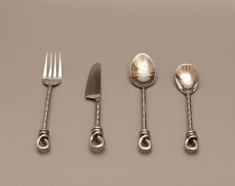 4 Pieces' Starter Set(Medium Dinner Set) - 100% Handmade 18-8 Stainless Steel flatware