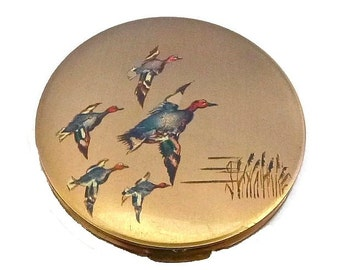 VINTAGE STRATTON Duck Compact Flying Mallard Ducks 50s Vanity Case Made in England Bird Animal Gold Teal Green Mallards Reeds Powder Compact