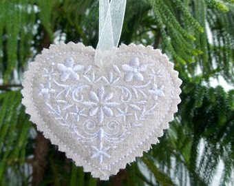 2 Christmas ~ Holiday ~ Gift ~ Wreath ~ Floral Heart Machine Embroidered in Snow White on Linen