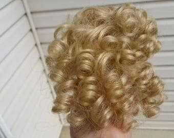 Doll Wig Acrylic Monique size 8/9 Ash Blond.